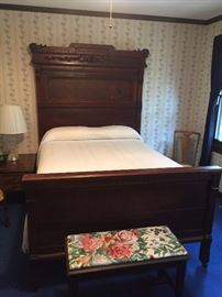 BEAUTIFUL VICTORIAN BED