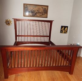 HANDCRAFTED BY A WOODWORKER MAHOGANY MISSION STYLE QUEEN SIZE BED