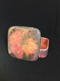ROOKWOOD Matte glaze lidded trinket box by Elizabeth Lincoln 1926