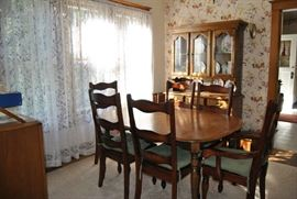 Dining Table, Hutch  Buffet