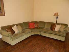 Sectional in excellent condition