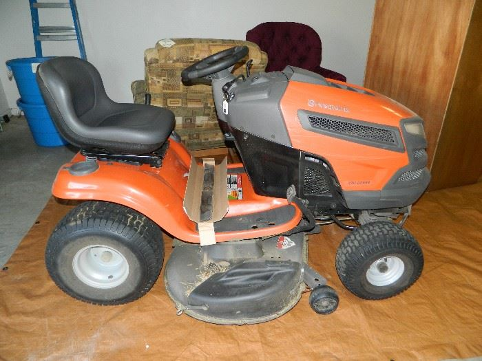 Husquvarna riding mower - excellent condition!