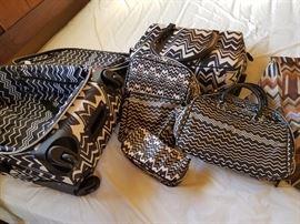 Fab 7 piece drsigner luggage y mission
