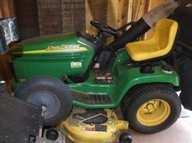 "JOHN DEERE GT 245 - LOW MILAGE/HOURS - 3 BAGGER - 48"" CUTTING WIDTH - INCLUDES CRAFTSMAN PULL WAGON #610243552 - MANUAL INCLUDED. PRICED AT ONLY $ 3100 !!!"