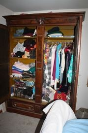 Inside of armoire.  Obviously it holds alot!!!