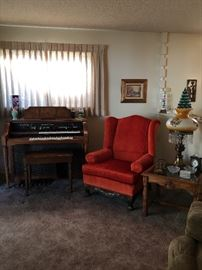 Lowry Holiday organ, great condition and works great!