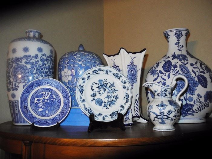 Many blue and white pieces