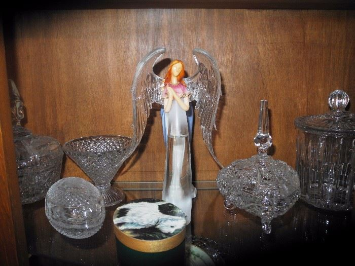 Angel with crystal wings, more crystal pieces