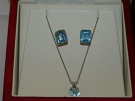 14K gold and Aquamarine ear rings and necklace