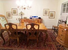 HENRENDON- contemporary dining room group