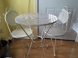 White Metal Wrought Iron Bistro Table and Chairs