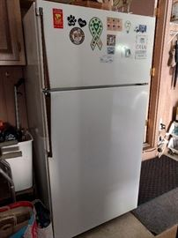 Kenmore Refrigerator/Freezer, located in the garage, perfect for game day!