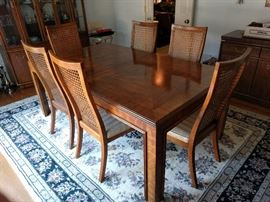 Pristine MCM Drexel Heritage *Accolade* Dining table/6 side chairs + 3 leaves, never used, still in the factory box.