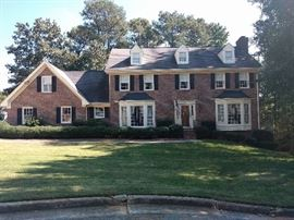 Great curb appeal brick home in Dunwoody - soon to be available!