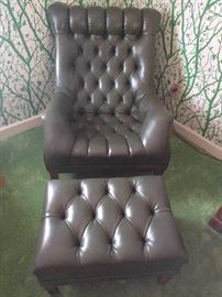Yep, here it is, THE lap of luxury! A Ferrari of an easy chair, in kelp green, although a bit more subdued than the wafting forest of background wall covering. Selectively produced by the Mall City Furniture Co., of Kalamazoo, MI; ottoman included with purchase.