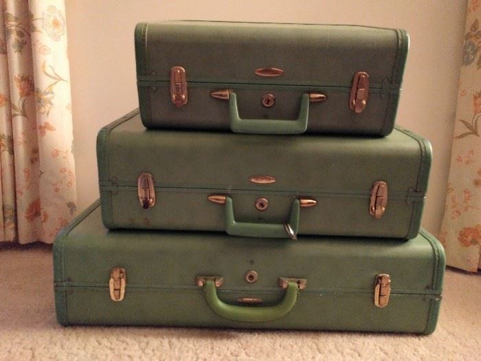 "Lovely 1960's green-friendly Sardis ""Taperlite"" luggage"