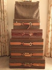 Lovely set of vintage tweed/leather Hartmann luggage