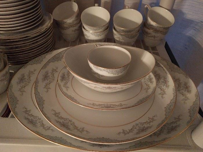 93-Piece set of Mikasa Minuet china