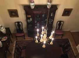 Lovely Ethan Allen traditional dining room with area rug