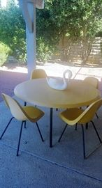 Mid Century Modern table and chair set - Rocklite