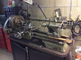 INDUSTRIAL WOOD AND METAL LATHE