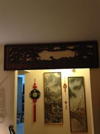 Beautiful carved wood wall hanging! Additional wall décor!