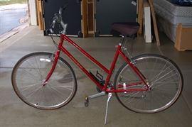 Ladies Trek bike (rode only once!!)