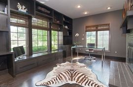 ANIMAL CARET NOT FOR SALE - STAGING ONLY