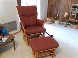 SHARMAG OF CANADA GLIDER ROCKER WITH FOOTSTOOL