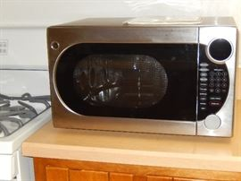 STAINLESS STEEL GE CONVECTION/MICROWAVE OVEN