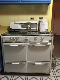 Vintage Roper Double Oven Gas Stove with Manual Works
