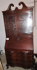 Personal secretary with cabinet in Hepplewhite style