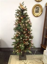 5 Foot Virginia Faux Pine Tree w/ Clear Lights