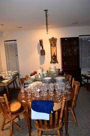 Glassware, porcelain, dining furniture.
