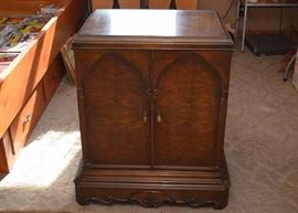 "Vintage 2-Door Cabinet.  (Approx. 25.5"" long x 32"" high x 20"" deep) Good Condition with Discoloring on Top & Minor Dings."