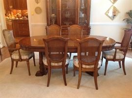 White Furn Dining Room Table and 6 Chairs