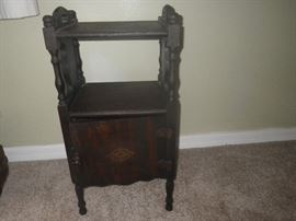 antique side/table/storage cabinet
