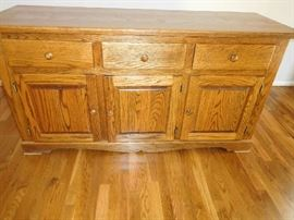 oak   buffet  -this  was  custom ordered