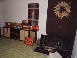 Stereo cabinet and speakers not available, sorry for the inconvenience