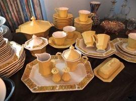 Sunny Vintage dish set
