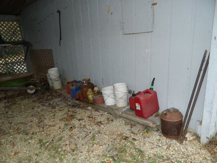 Barn outside of house - lots of stuff - look at all the next pictures - has all the stuff we found in and around the barn!