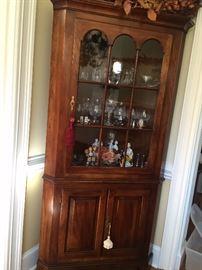 Corner cupboard by Statton