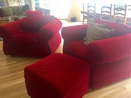 Oversize Red chairs