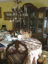 Dining room table, chairs & china cabinet