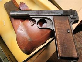 FN Herstal (Browning) made for German military