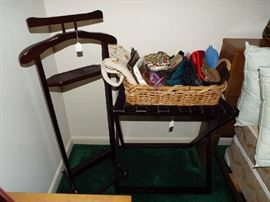 Valet & luggage stand, basket of purses