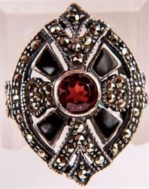 Lot 310 - Jewelry Sterling Silver Garnet Cocktail Ring