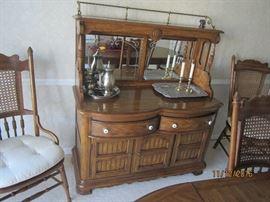 Thomasville buffet with mirror