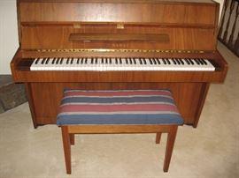 Console Kawai Piano