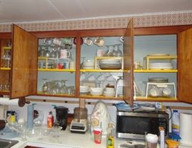 General kitchen clutter - microwave oven, Kitchenaid mixer and lots more!